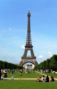 389px-Eiffel_Tower_Paris_01